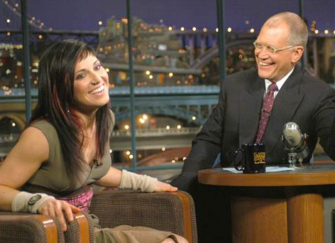DavidLetterman-TaraDakides-2004-May15