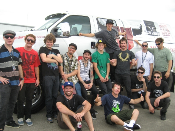 The whole crew. Media-ites and athletes gather around the insanely gigantic MATADOR by Jack Link's truck.